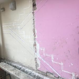 Hostelle, construyendo las escaleras